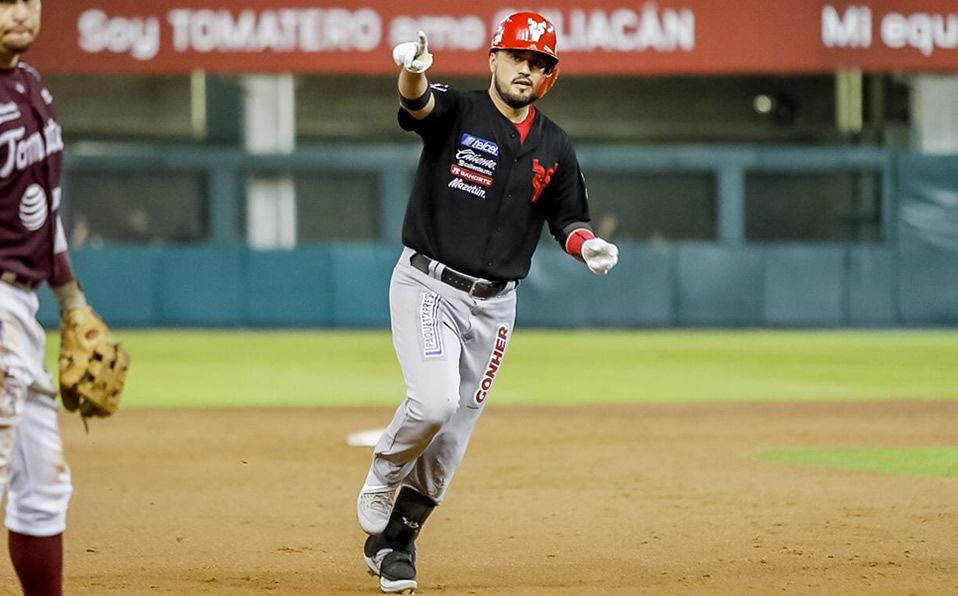 Ríos conectó su primer home run de la postemporada. (Foto: @Venados_MZT)