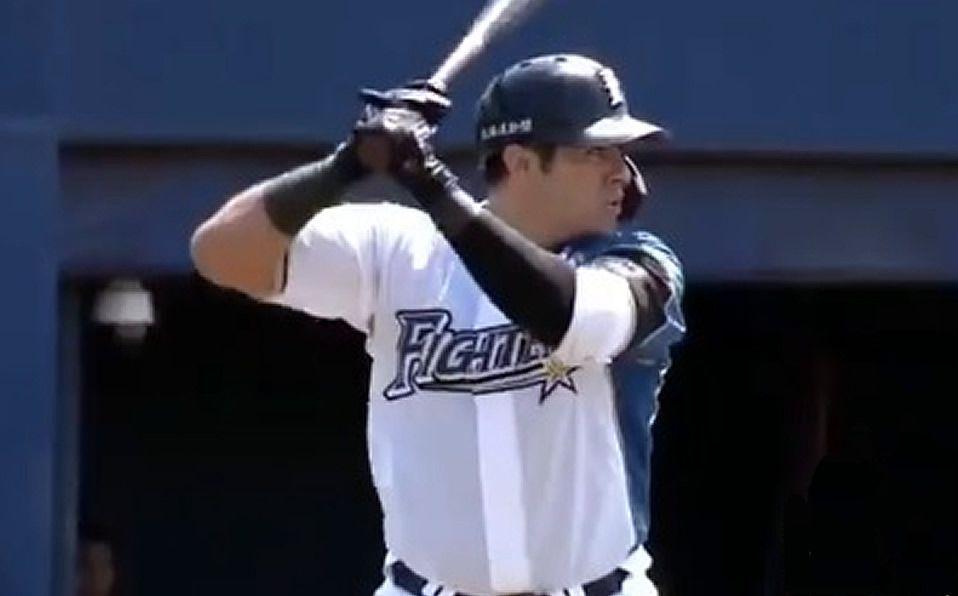 Christian Villanueva regresa y pega HR