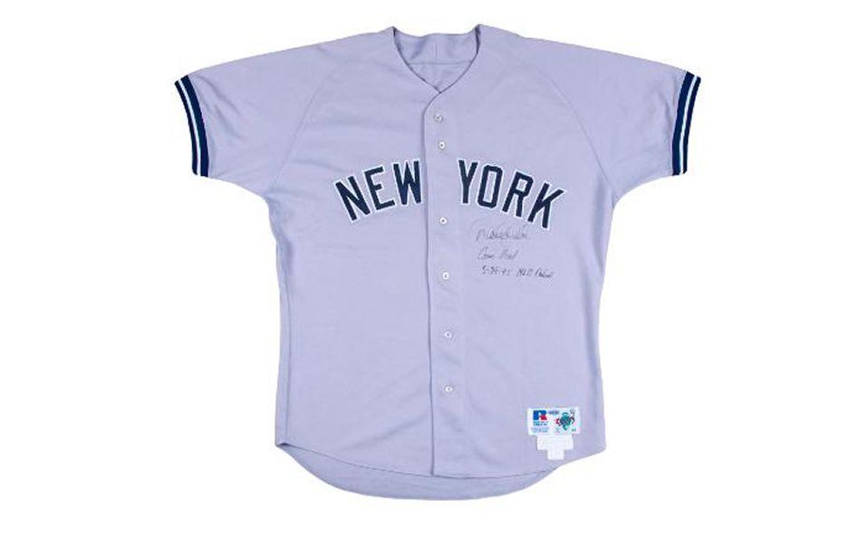 El jersey incluye la firma del jugador abajo del nombre de la ciudad. (Foto: Goldin Auctions)
