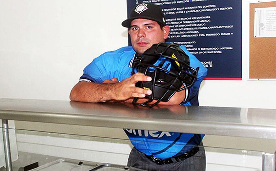 Jesús Juan Carlos, el chef que quiere ser umpire de Liga Mexicana