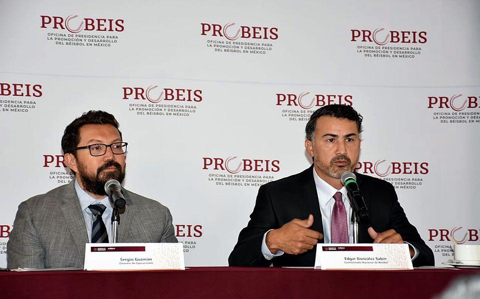 Sergio Guzmán y Edgar González al presentar el proyecto de la Liga de Prospectos