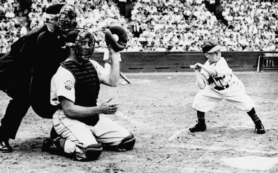 Eddie Gaedel, el pelotero 'más chaparro' en la historia de MLB. Foto: AP
