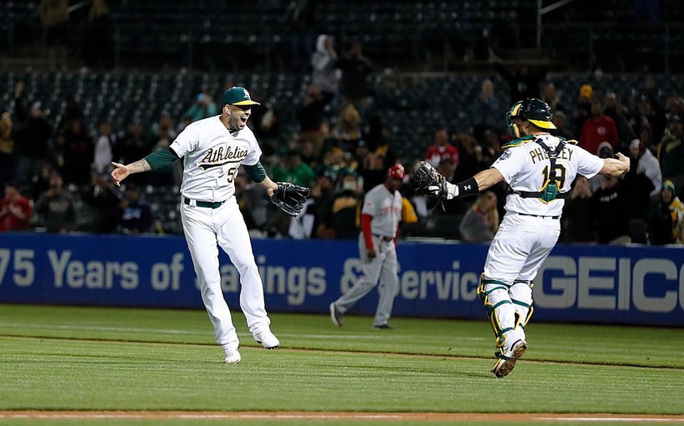 Mike Fiers lanza sin hit ni carrera con los Oakland Athletics