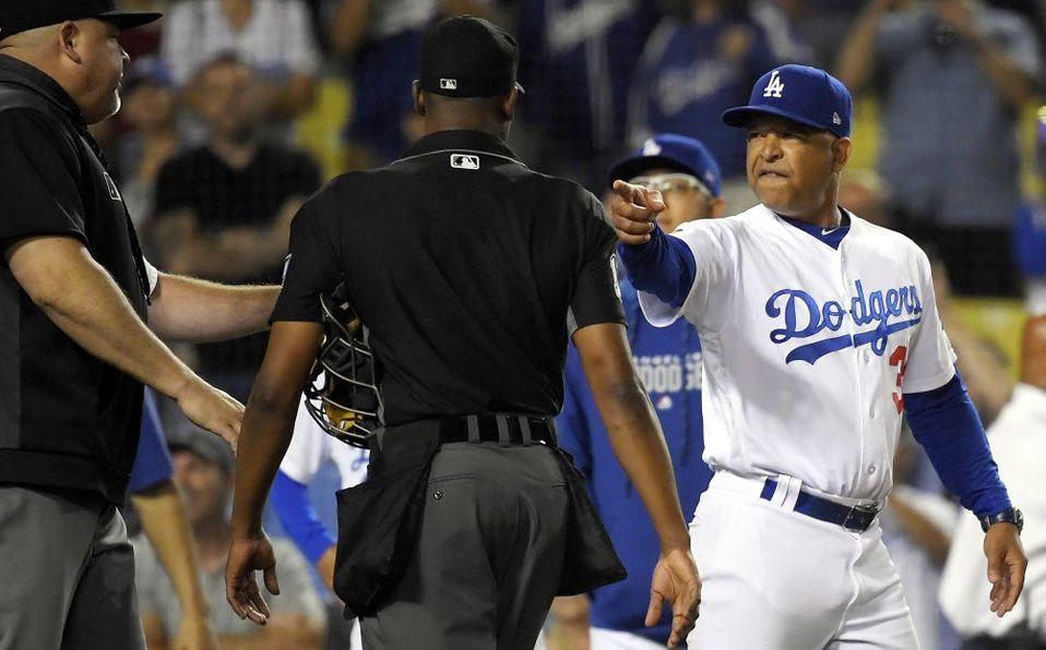 El manager de los Dodgers, Dave Roberts, también estuvo involucrado. (Foto: @retweetsmanetta)
