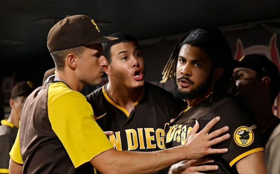 El incidente se dio en la quinta entrada tras la expulsión del manager. (MLB.com)