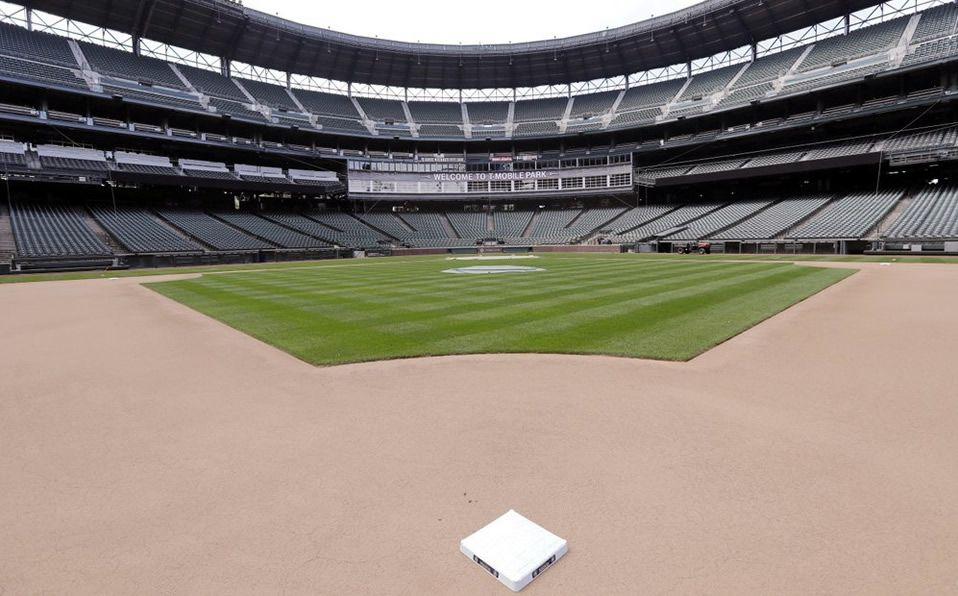 Los equipos jugarían en sus parques sin aficionados. (Foto: AP)