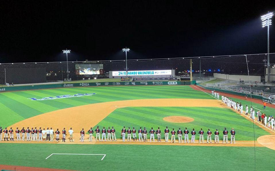 En el Estadio Uni-Trade de Laredo, Texas, se retiró el #34