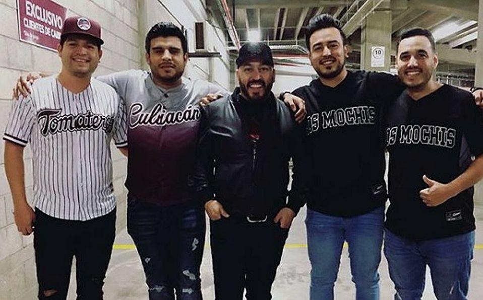Así trolearon a Lupillo Rivera con Belinda, en el Estadio de Tomateros