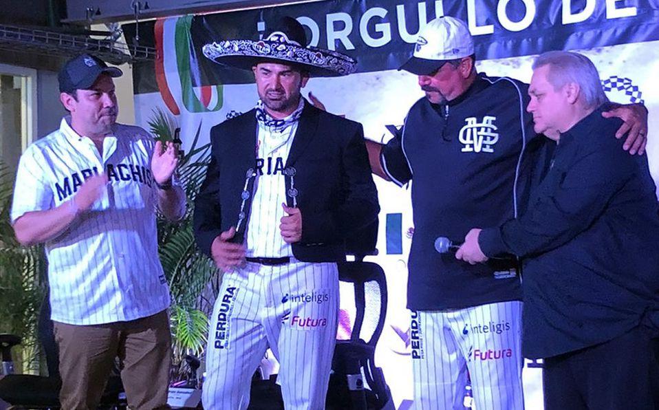 Adrián González participó en una conferencia en la que anunció su retiro al terminar la temporada de LMB. Foto: Carlos Meza