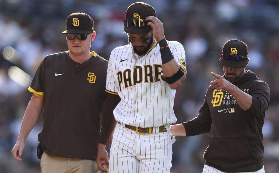 Fernando Tatis Jr. ya ha sufrido con el hombro esta temporada 2021. (MLB.com)