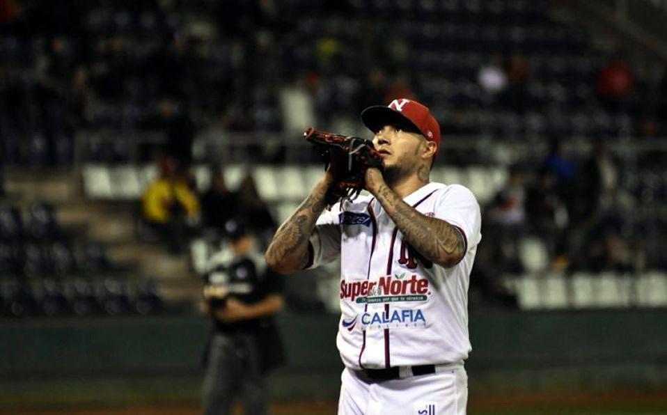 Velázquez tiene marca de 24-19 lanzando para la tribu del mayo. (Foto: @OficialMayos)