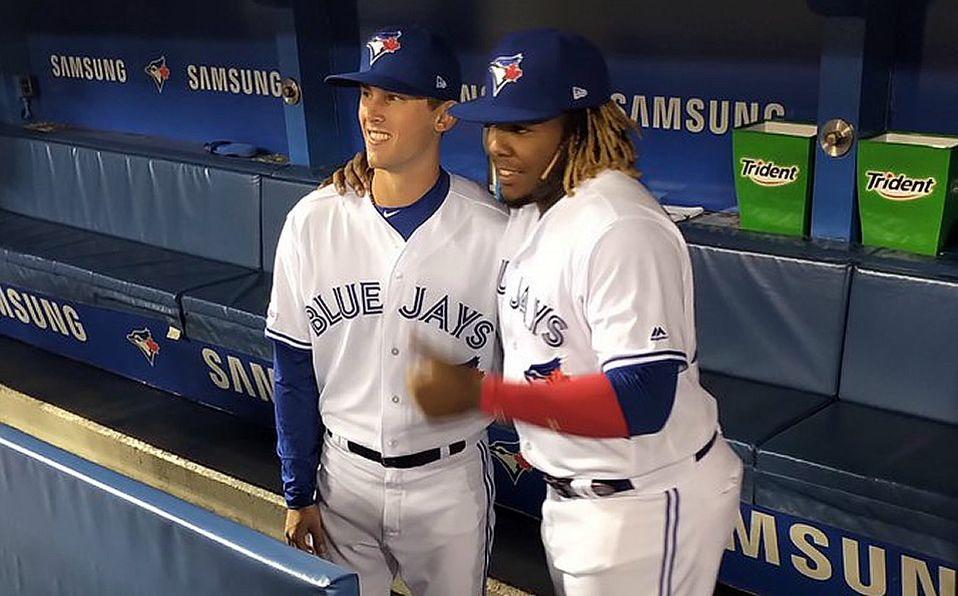 Cavan Biggio y Vladimir Guerrero Jr, jugaron juntos por primera vez en MLB. Foto: @ArashMadani