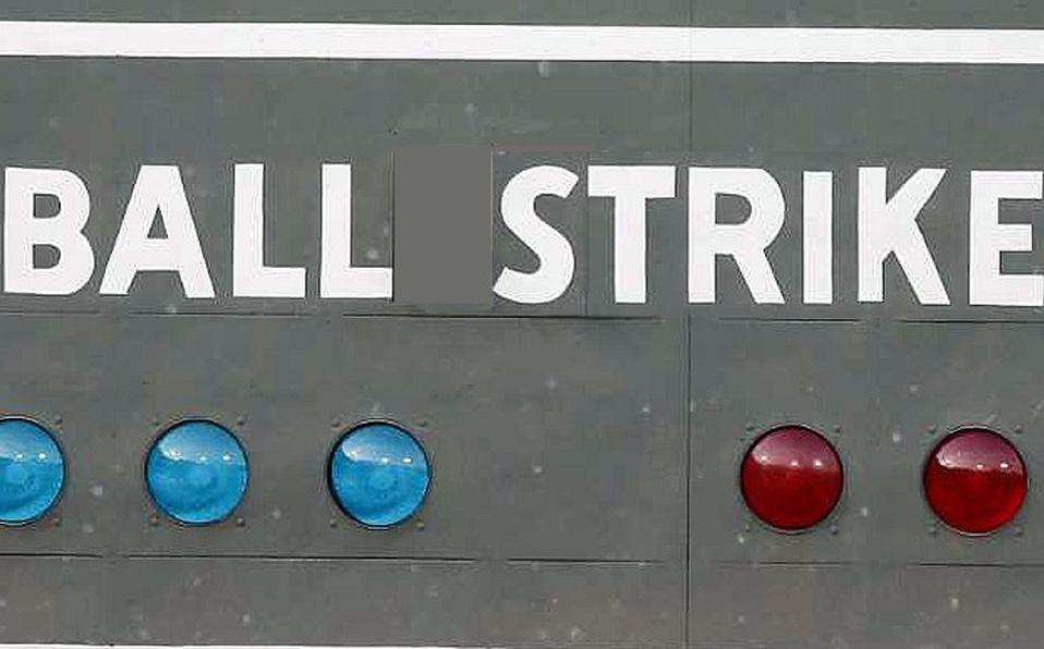 Por qué son tres strikes y cuatro bolas en el beisbol