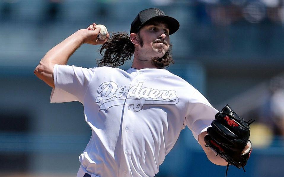 Tony Gonsolin sigue siendo tratado con reserva en la rotación de Dodgers. (Foto: AP)