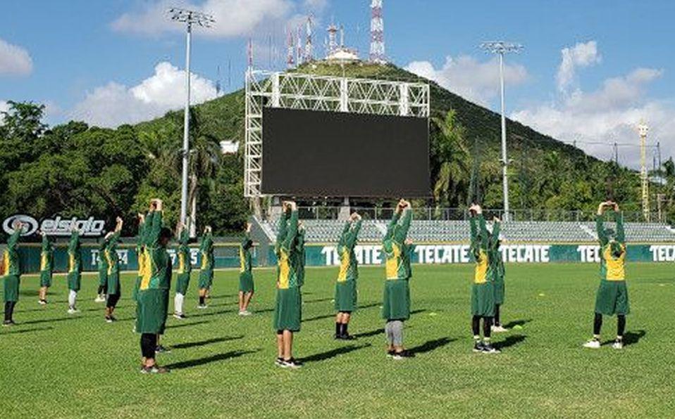 Los Cañeros arrancaron sus entrenamientos en el Estadio Emilio Ibarra. Foto: Cañeros