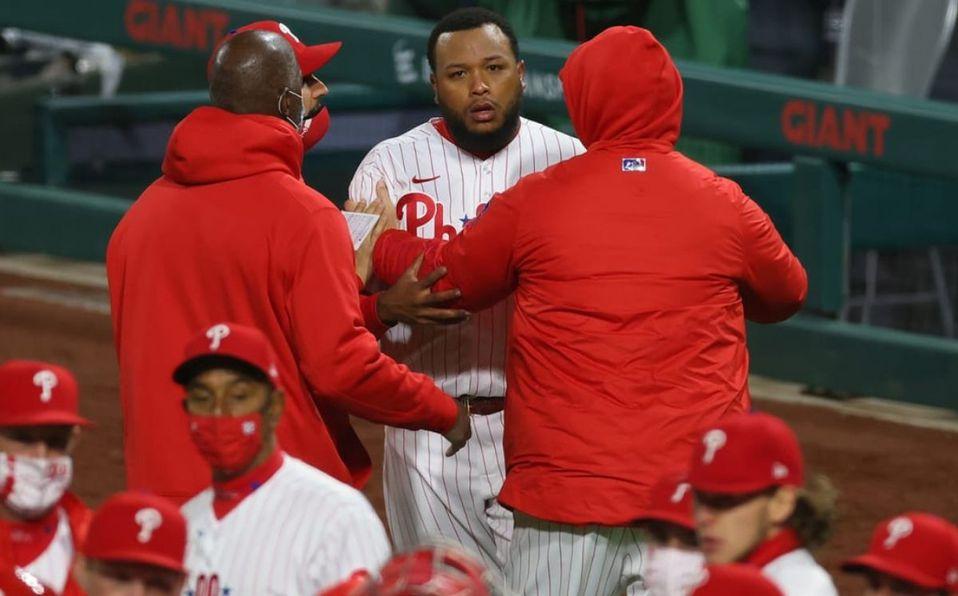 El venezolano José Alvarado inició el altercado en la octava entrada (MLB.com)