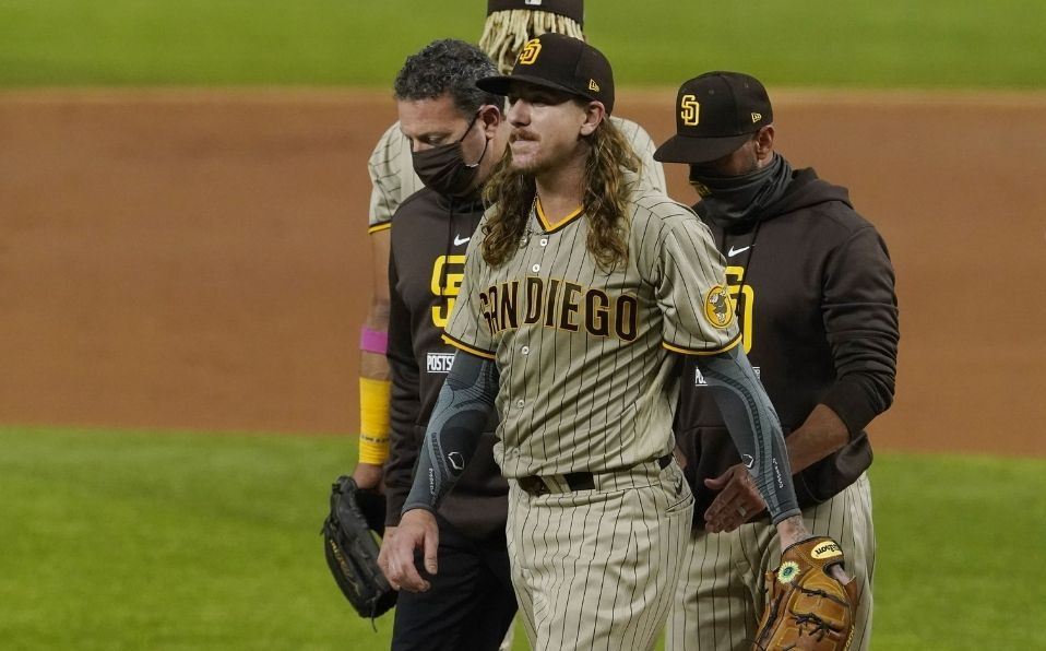 Clevinger sufrió de una lesión en el codo al final de la temporada 2020. (Foto: AP)