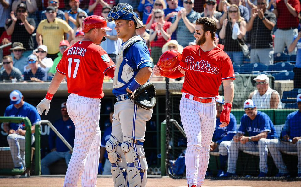 Bryce Harper se presentó con los Philadelphia Phillies. Foto: Phillies