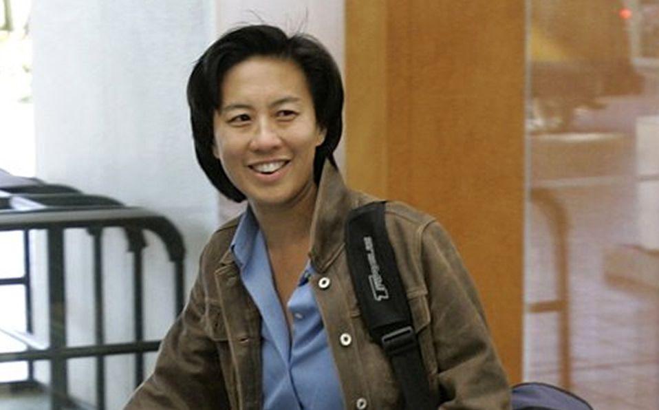 Ng hace historia: primera mujer gerente general en MLB