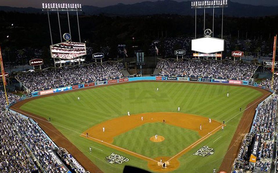 El Dodger Stadium podría no tener beisbol este año. Foto: AP