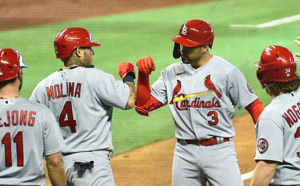 Yadier Molina y Dylan Carlson pegaron jonrón por los Cards. Foto: Cardinals